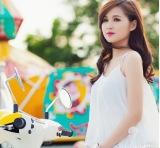 Singer's Hoang Truc